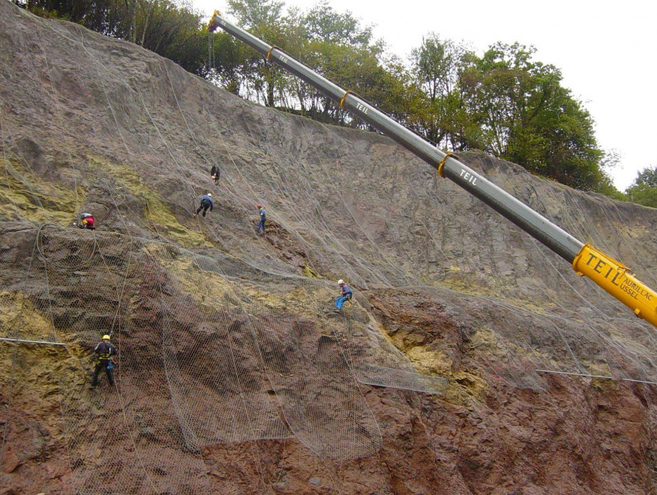 photo-1 intervention-difficiles-acces travaux-contre-protection-risques-naturels chutes-pierres