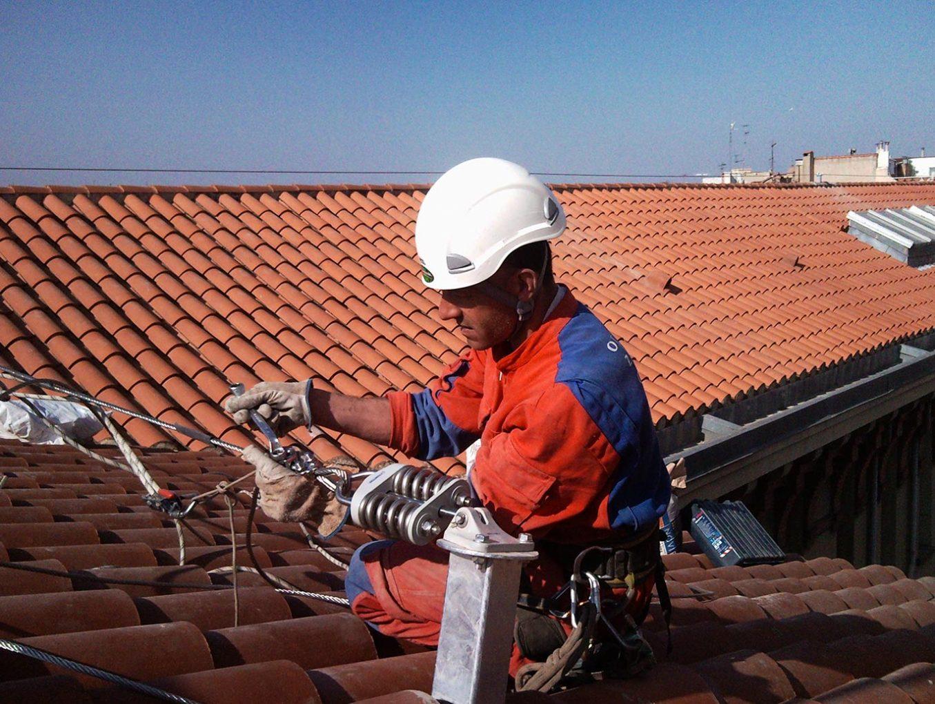 photo-2 securite-personnes travaux-hauteur electricite-toiture-66
